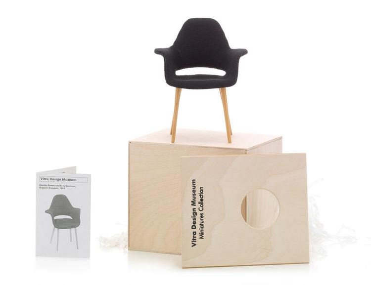Vitra Organic Armchair miniature
