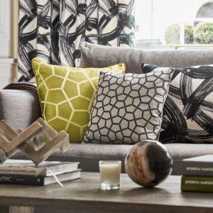 Harlequin cushion Typhonic Onyx