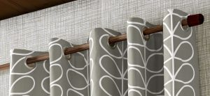 Orla Kiely ready-made curtains Linear Stem Silver