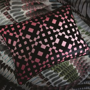 Christian Lacroix cushion L-Aveu Magenta